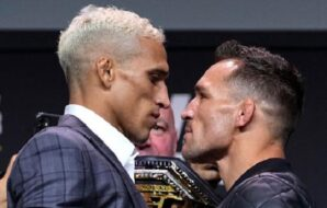 UFC 262: Charles Oliveira a Michael Chandler během staredownu